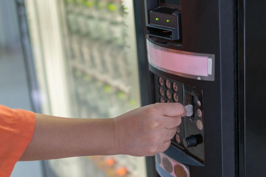 Las bolsas y precintos de seguridad protegen la recaudación de las máquinas de vending