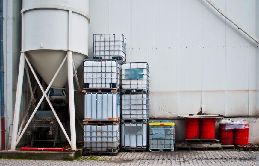 Los contenedores IBC se usan mucho en la industria química y la alimentaria